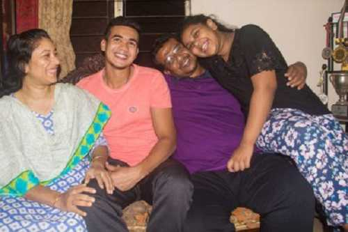 Taskin Ahmed family photo