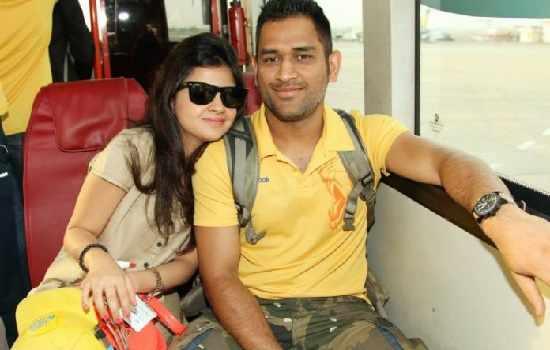 Priyanka Jha Dhoni GF pictures