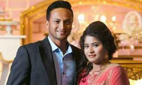 Shakib Al Hasan family photo with sister